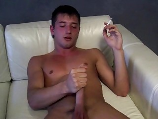 JD Phoenix jerks his weiner while smoking