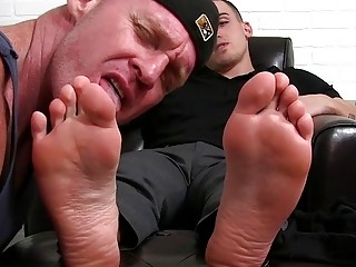 This guy loves feeling a tongue between his toes
