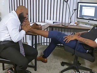 Hot hunk feet worshiped while jerking